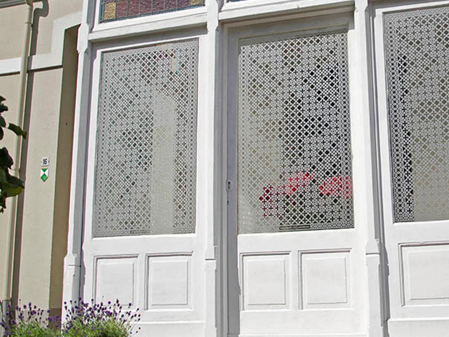 Raamvullend raamfolie patroon op serre